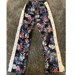 Floral snap side pants